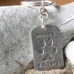 pootafdruk overleden hond dog-tag sleutelhanger