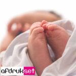 inktloos een baby voetafdruk en handafdruk maken