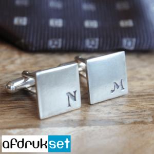 zilveren manchetknopen met initialen